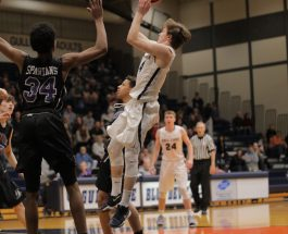 Gull Lake battle Lakeview in basketball districts