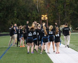 Seniors dominate Powderpuff game, 33-8