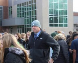 Gull Lake shows unity in wake of Parkland Shootings
