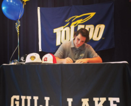 Caleb Scoles signs national letter of intent to Toledo